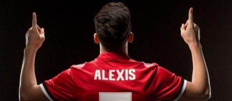 Alexis Sanchez shirt sales set new Manchester United record.