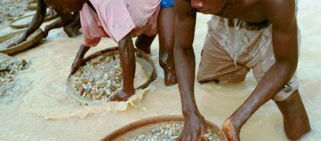 How The Diamond Trade Is Enslaving Millions Of Africans | YOUNG ... - wordpress.com