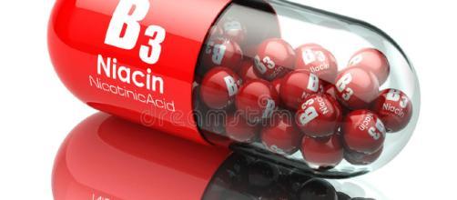 Cápsula De La Vitamina B3 Píldora Con Niacina O ácido Nicotínico ... - dreamstime.com