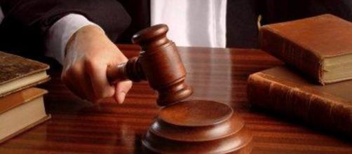Condanna di 9 anni e 8 mesi per i minorenni accusati di violenza, rapina e lesioni
