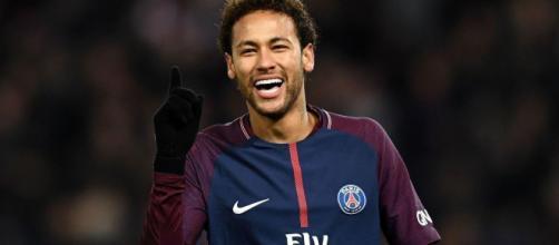 Neymar da Silva Santos Júnior, conocido deportivamente como Neymar