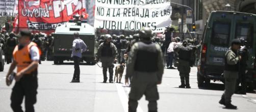 Polémica reforma pensional en Argentina se debatirá el lunes en el ... - com.co