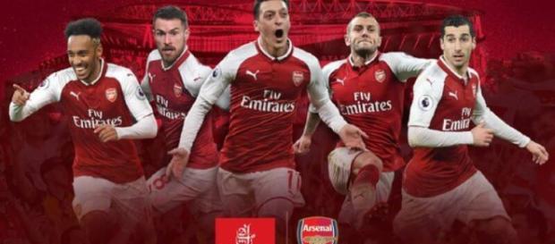 Arsenal extiende su contrato con Emirates