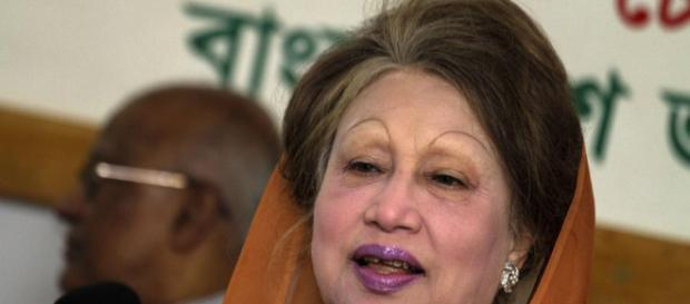 Former Bangladesh PM Khaleda Zia gets five years in jail ... - hindustantimes.com