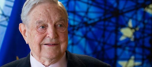 """George Soros finanțează de zeci de ani organizații pentru """"cauze progresive"""" - Foto: metro.co.uk (OLIVIER HOSLET / AFP / Getty Images)"""