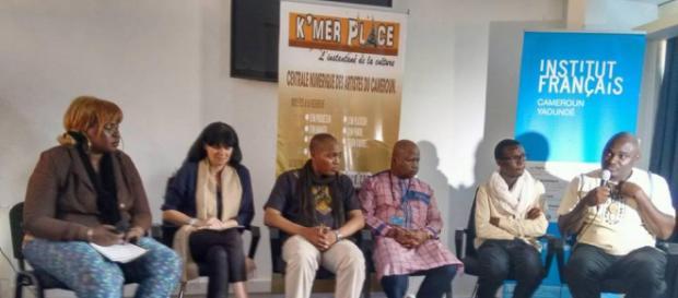 Table ronde concernant la grande centrale numérique des artistes du Cameroun (c) Odile Pahai