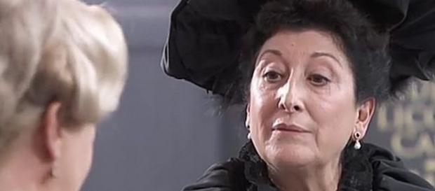 Una Vita, trame spagnole: la richiesta inaspettata di Ursula a Susana