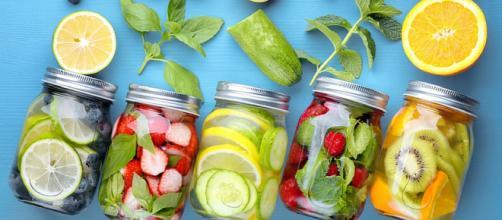Acqua detox, una moda sana per bere di più - FoodNess - foodness.it
