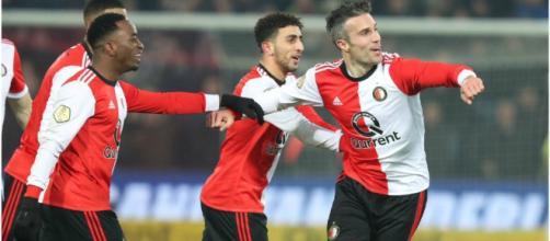 Antuna participa en la exhibición de Van Persie y el Feyenoord ... - marca.com