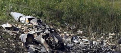 I resti dell'F16 intercettato dal missile Siriano