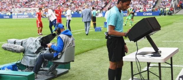 El sistema de videoarbitraje VAR (video assistant referee)