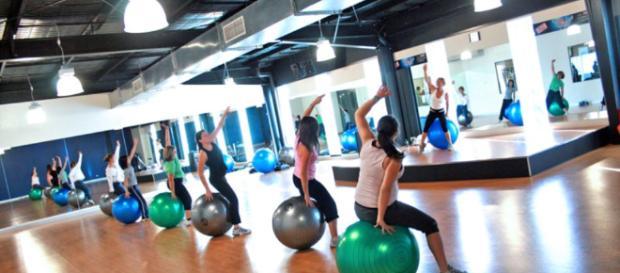 Exercise the whole body - Image credit - www.localfitness.com.au | Wikimedia