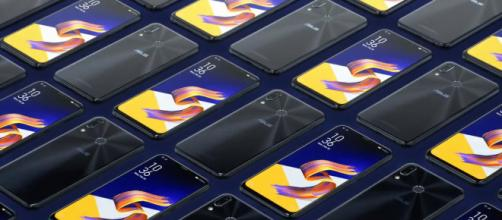 Is the Asus ZenFone 5z a cheap clone of iPhoneX? [image source: Asus/YouTube]
