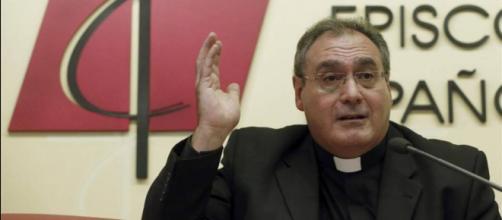 Gil Tamayo en la sede de la Conferencia Episcopal