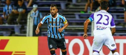 Grêmio vacilou no final contra o Defensor