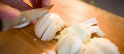 La solución definitiva para dejar de llorar al cortar cebolla - huffingtonpost.es