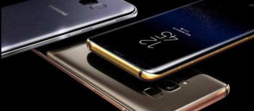 The Galaxy line of phones make great use of these features. [Image by Di Michele Rainone/Mobileblog]