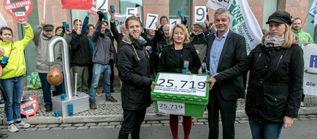 25.000 firmas contra minas nuevas.