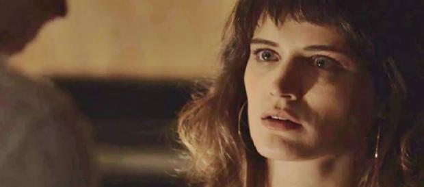 Clara fica com Patrick e depois com Gael, mas sem terminar com o advogado