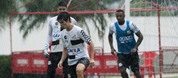 Jogador marcou três gols no treino da última segunda-feira