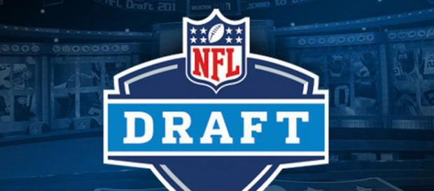NFL Draft 2017: Favorite Picks from the First Round - Writer M.D. - (Image via mikelavere/Youtube)