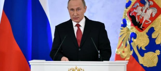 Putin: Nos centramos en las armas láser y submarinos rápidos.