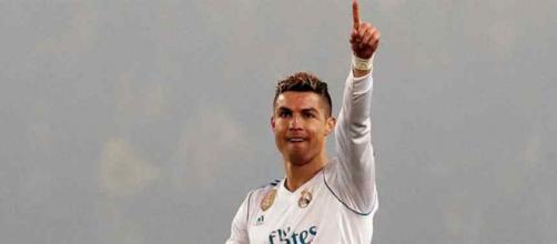 Cristiano Ronaldo continua atento às decisões do Real. (foto reprodução).