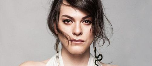 Daniela Vega posa para revista de fama mundial junto a galán de ... - revistacloset.cl