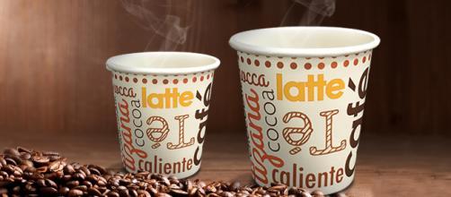 Los miembros del Comité de Auditoría Ambiental (EAC) sugirieron una carga de 25 peniques para las tazas de café desechables para reducir su uso