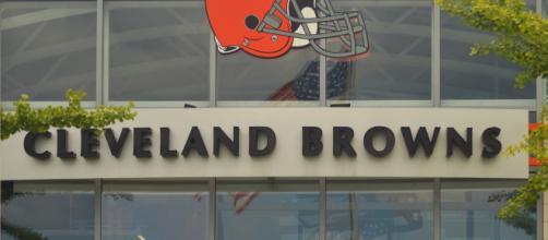 Photo of Browns logo credit to Erik Drost via Flickr.
