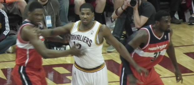 Cavs looking at three centers to sign to 10-day contracts [Image by Wikimedia Commons]