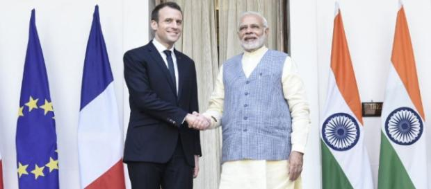 PM Modi meeting French President Macron (Photo via: narendramodi.in)