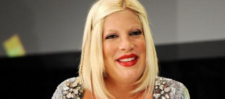 Tori Spelling and Dean McDermott forced to leave dinner with kids after argument breaks out. [image credit YouTube/Hollywscoop]
