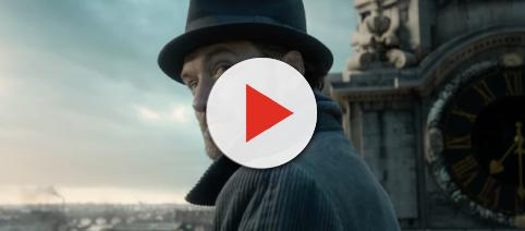 Jude Law shines in latest 'Fantastic Beasts: The Crimes of Grindelwald' trailer. - [image source: Warner Bros. Pictures / YouTube screenshot].