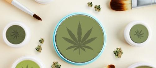 Cannabis nel beauty (foto - metro.co.uk)