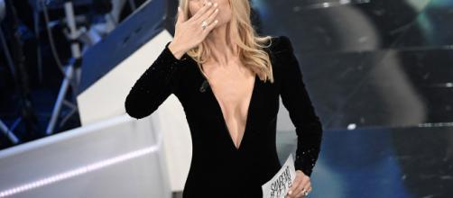Michelle Hunziker, sexy scollatura a Sanremo 2018 - Corriere dello ... - corrieredellosport.it