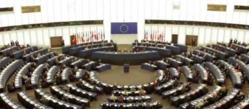 Parlamentari europei verdi e della sinistra sono preoccupati: temono un governo di destra e preferirebbero Di Maio (fonte huffingtonpost)