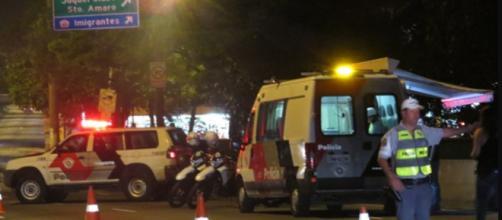 Policial militar à paisana reage assalto e mata bandido com três tiros.