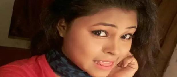 Moumita Saha é encontrada morta em sua casa, junto a um bilhete de despedida