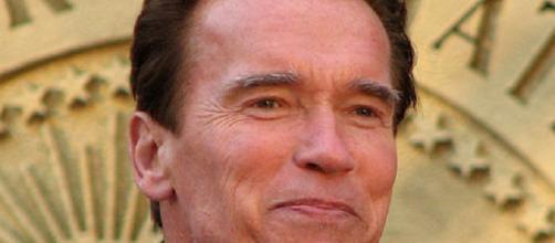 Arnold Schwarzenegger unleashed [image via: Miracle World/Wikimedia]