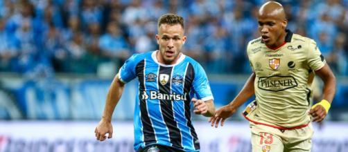 Arthur tem princípio de acordo com o Barcelona