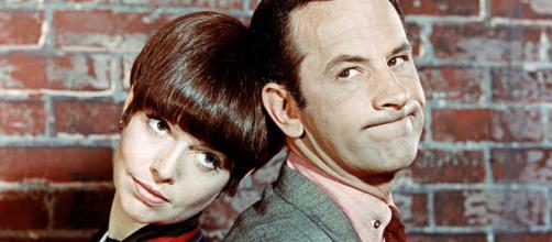 Barbara Feldon e Don Adams em ''Agente 86''