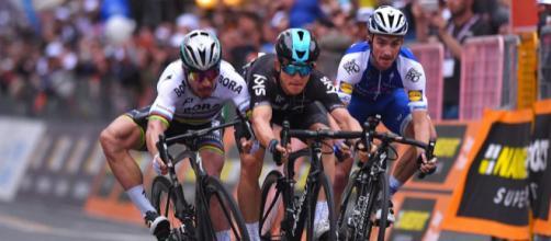 Milán-San Remo: Kwiatkowski derroca a un Sagan imperial - Ciclo21 - ciclo21.com