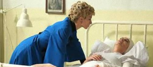 Una Vita, trame spagnole: Cayetana ucciderà la madre Fabiana?