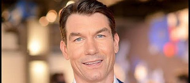 Jerry O'Connell is doing a great job filling in for Wendy Williams [Image: Hot News/YouTube screenshot]