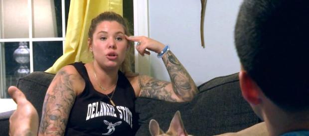 Kailyn Lowry talks to Javi on 'Teen Mom 2.' [Photo via MTV/YouTube]