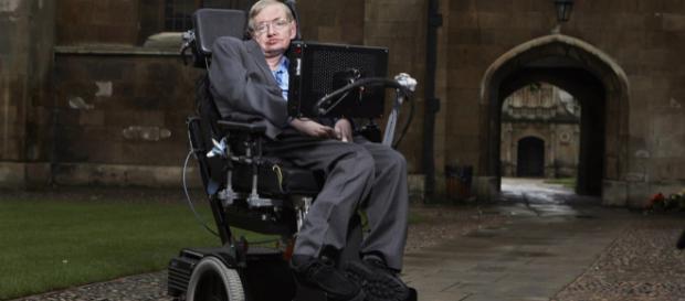 Stephen Hawking era considerado uma das grandes mentes da atualidade.