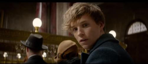 Newt Scamander on the set of Fantastic Beasts 2. [image source: ONE Media/YouTube screenshot]