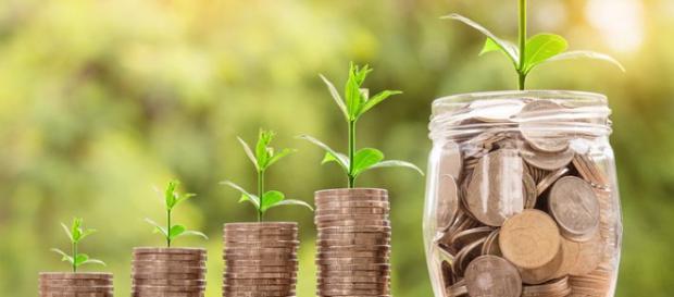 4 simple life hacks to save money. (Image via Natanan Pixabay).