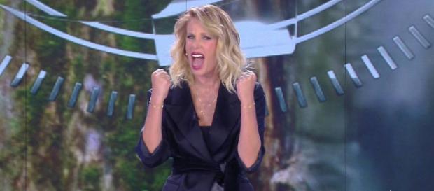 Alessia Marcuzzi nei guai all'Isola